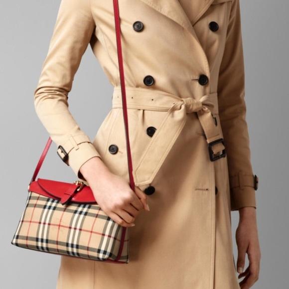 67e83ac937 Burberry Handbags - Burberry horseferry Crossbody Bag in red